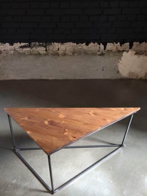 TRINITY TABLE / METAL AND WOOD / 100X50X40 / 600 EU
